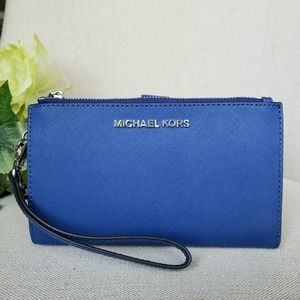 NWT Michael Kors Double zip Wristlet wallet blue